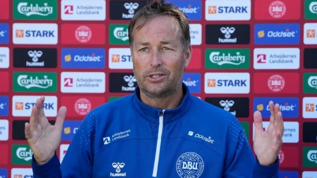 Explota técnico de Dinamarca contra la UEFA. Foto: Twitter