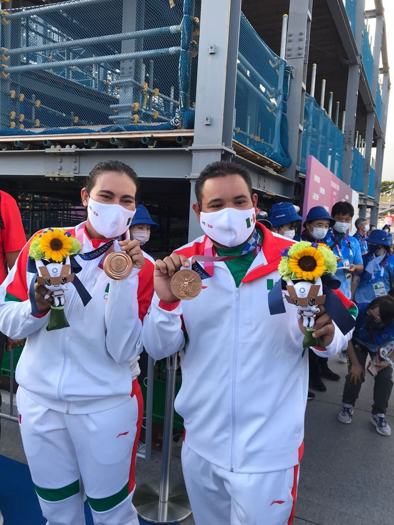 Primera medalla para México. Foto: COM